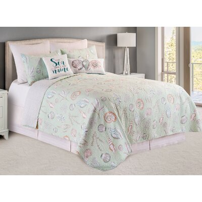 Breezy Shores Quilt/Coverlet Set Size: King