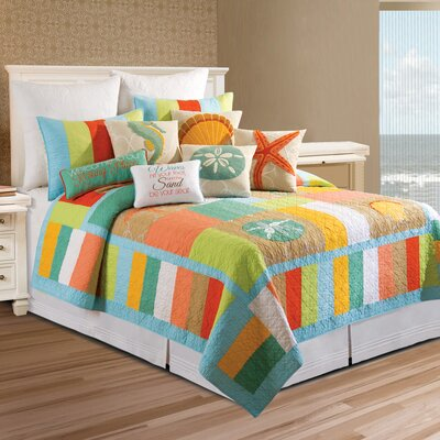 Reda Quilt Size: Full/Queen