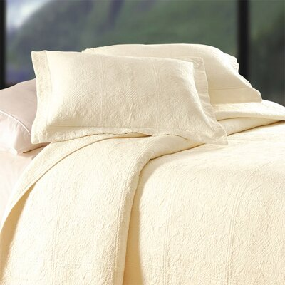 Jaqueline Quilt in Cream Size: King