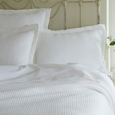 Hudson Matelasse Coverlet Size: King, Color: White