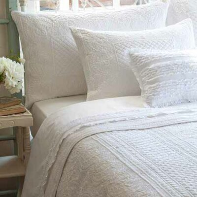Abigail Quilt Size: King, Color: White