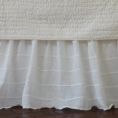 Tucked Linen Bed Skirt Size: King, Color: White