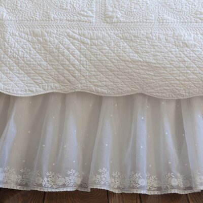 Daisy Dot Cotton Bedskirt Size: Queen, Color: White