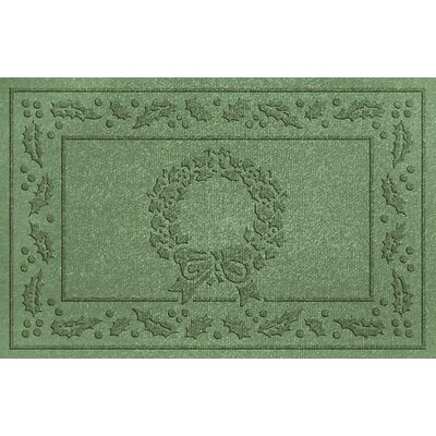 Aqua Shield Wreath Doormat Color: Light Green