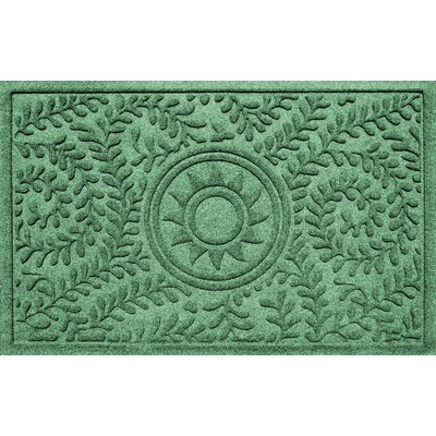 Aqua Shield Boxwood Ships Wheel Doormat Color: Light Green