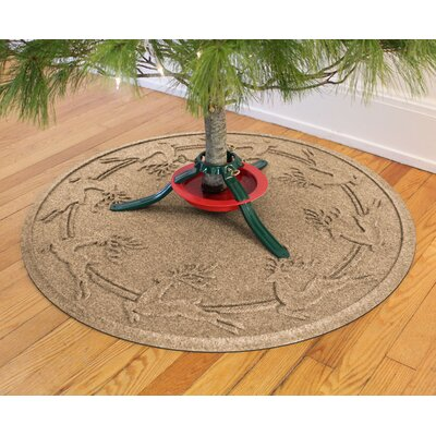 Aqua Shield Reindeer Run Christmas Tree Doormat Color: Camel