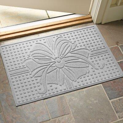 Wrap It Up Outdoor Doormat Color: White