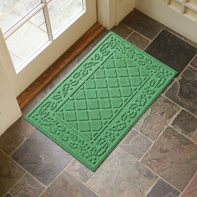 Olivares Diamond Holly Outdoor Doormat Color: Light Green