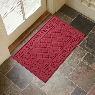 Olivares Diamond Holly Outdoor Doormat Color: Red/Black