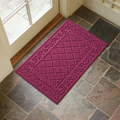 Olivares Diamond Holly Outdoor Doormat Color: Bordeaux