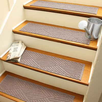 Amald Diamond Stair Tread Color: Medium Brown