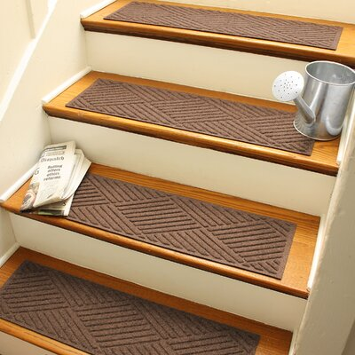 Amald Diamond Stair Tread Color: Dark Brown