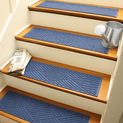 Amald Diamond Stair Tread Color: Navy