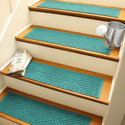 Amald Diamond Stair Tread Color: Aquamarine