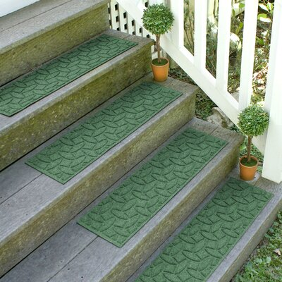 Amald Elipse Stair Tread Color: Light Green