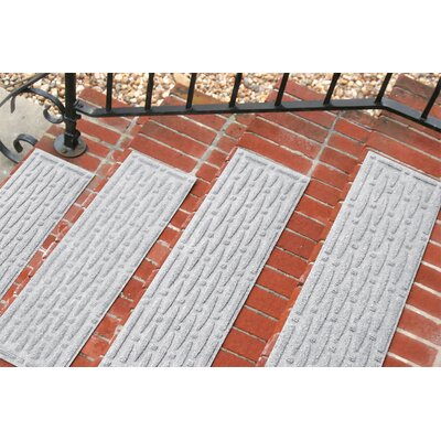 Amald Mesh Stair Tread Color: White