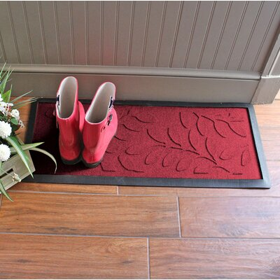 Amald Brittany Leaf Boot Tray Color: Red/Black