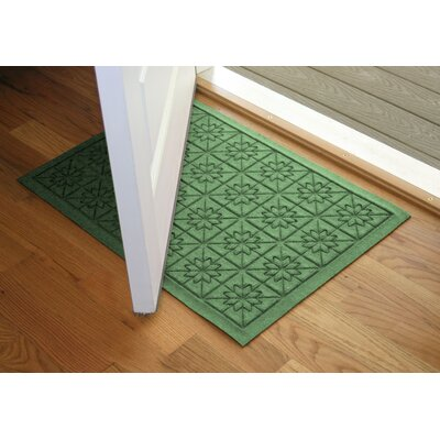 Aqua Shield Light Green Star Quilt Mat Size: 2 x 3