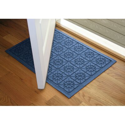 Aqua Shield Medium Blue Star Quilt Mat Size: 2 x 3