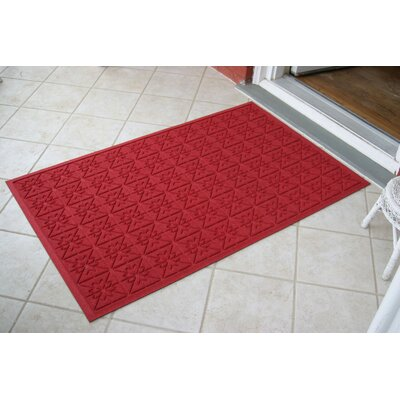 Aqua Shield Red Star Quilt Mat Size: 3 x 5