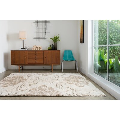 Dania Beige/Ivory Area Rug Rug Size: Rectangle 53 x 77