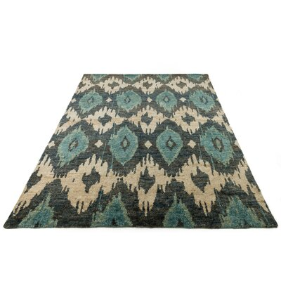 Zakrzewski Hand-Knotted Beige/Blue Area Rug Rug Size: Rectangle 86 x 116
