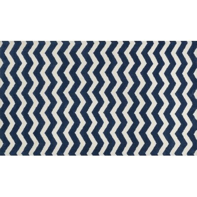 Zoey Navy/White Area Rug Rug Size: 5 x 7