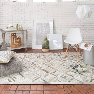 Murtaz Ivory/Gray Area Rug Rug Size: Rectangle 5 x 76