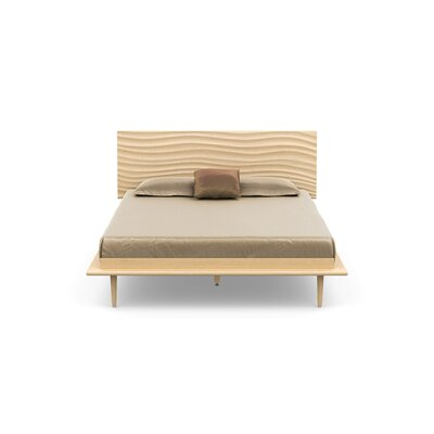 Wave Platform Bed Size: King, Color: Natural Maple, Leg Material: Wood