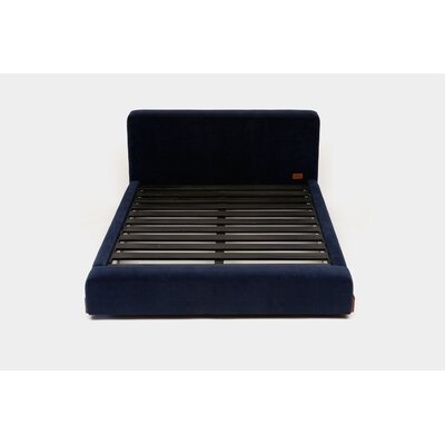 UP Upholstered Platform Bed Size: Queen, Upholstery: Blue