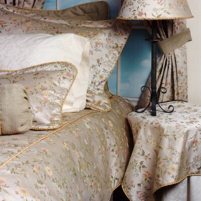 Chantilly Comforter Size: King