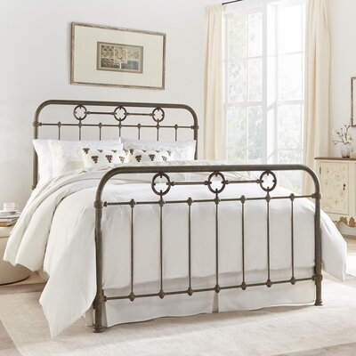 Hannes Panel Bed Size: King