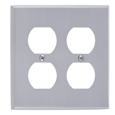 Quaker Double Outlet Plate Finish: Venetian Bronze