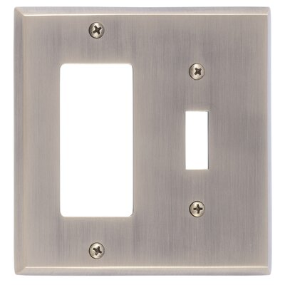 Quaker GFCI Plate Finish: Antique Brass