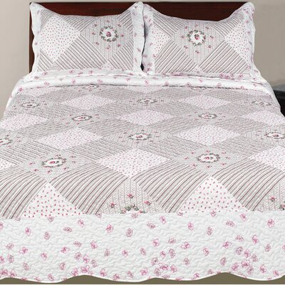 Hendrik 3 Piece Eclectic Reversible Quilt Set Color: Pink, Size: Queen