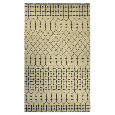 Sarita Hand-Knotted Beige Area Rug Rug Size: 5 x 8