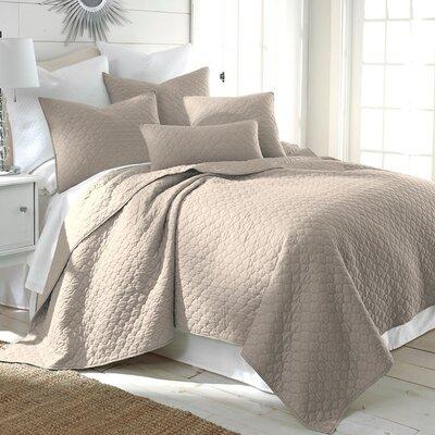 Bordeaux Quilt Set Size: Twin