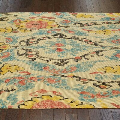 Faye Beige/Yellow Area Rug Rug Size: 4 x 6