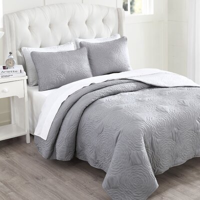 Kirra Reversible Quilt Set Size: King