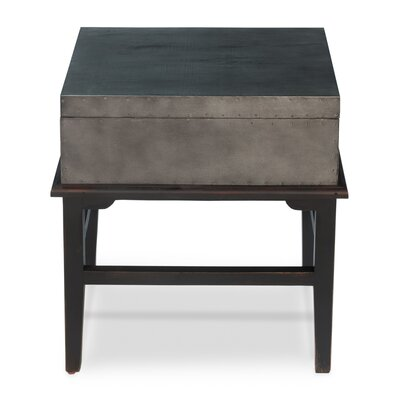 Afellay Trunk Table