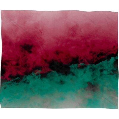 Caleb Troy Zero Visibility Poinsettia Ombre Plush Fleece Throw Blanket Size: Small
