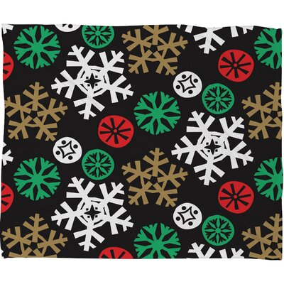 Zoe Wodarz Cozy Cabin Snowflakes Plush Fleece Throw Blanket Size: Small
