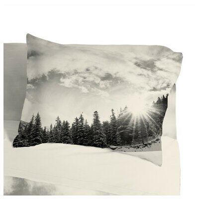 Bird Wanna Whistle  Mountain Pillowcase Size: Standard