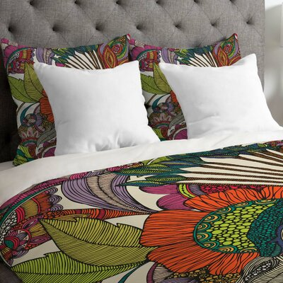 Valentina Ramos Lightweight Alexis and the Flowers Duvet Cover Size: King