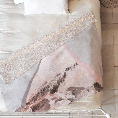 Peak Blanket Size: 60 L x 50 W