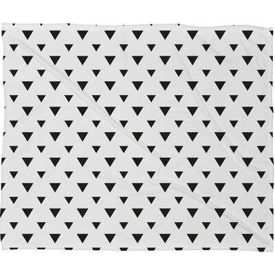 Upside Down Triangles Fleece Throw 57312-flemed
