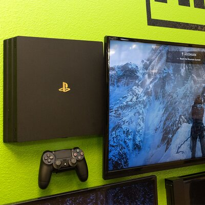 HIDEit 4P PlayStation 4 Pro Wall Mount