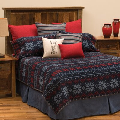 Nordic Coverlet Size: Full / Queen