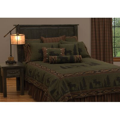 Moose Deluxe Coverlet Bedding Set Size: Queen