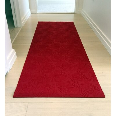 Mattisimo All Weather Runner Mat Color: Red Rosette, Size: 26.38W x 108L